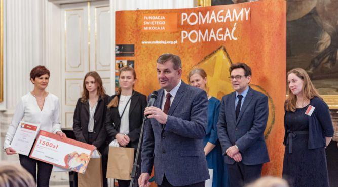 """W ubiegłym roku Zespół Szkół w Lubaczowie otrzymał tytuł """"Solidarnej Szkoły"""". fot. materiały prasowe"""