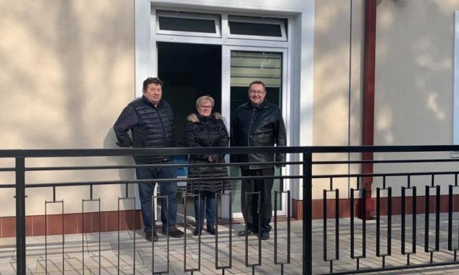 Małżeństwo Pani Wiesława i Waldemar spędzili dwa tygodnie w szpitalu w Łańcucie. W dniu dzisiejszym opuścili szpital w dobrej kondycji zarówno fizycznej jak i psychicznej.