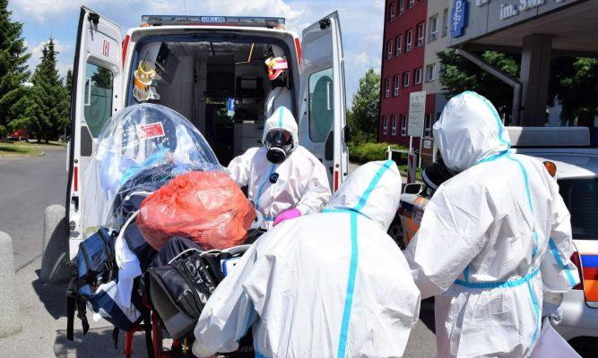 Tak wygląda praca ratowników medycznych w czasach pandemii fot. WSPR w Przemyślu